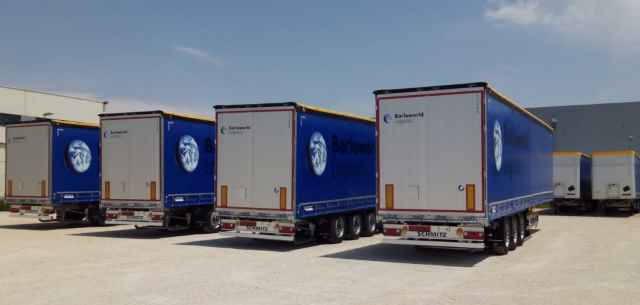 Flota de camiones lona